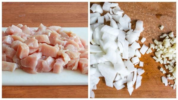 нарезать куриное филе и лук с чесноком