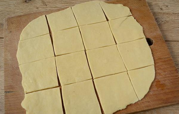 разделить тесто на квадраты