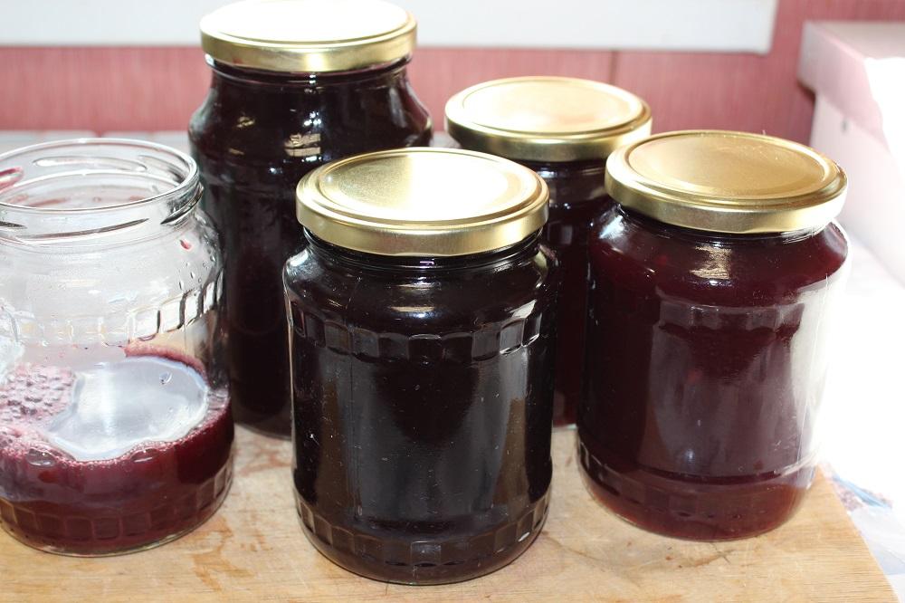 Готовый сок из вишни
